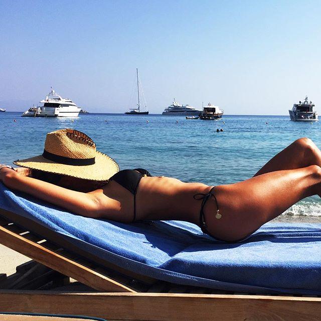 Santa Marina Resort in Mykonos - Alessandra Ambrosio
