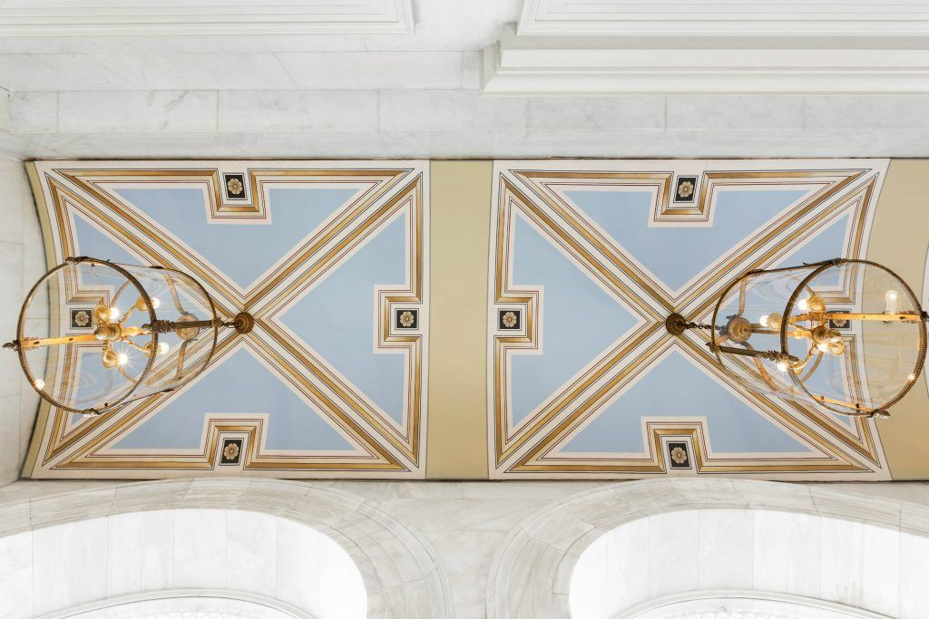 Arched ceiling at the entrance of Hotel Grande Bretagne in Athens - Architectural Details