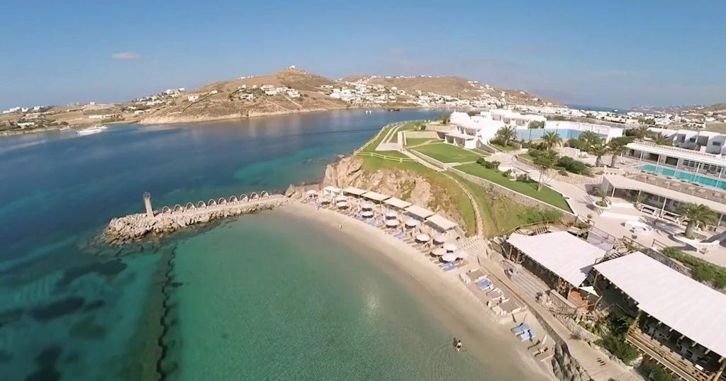 santa marina mykonos private beach_Journey Greece