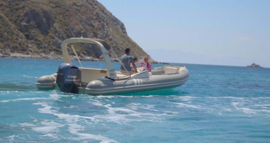 speed boat mykonos island_Journey Greece