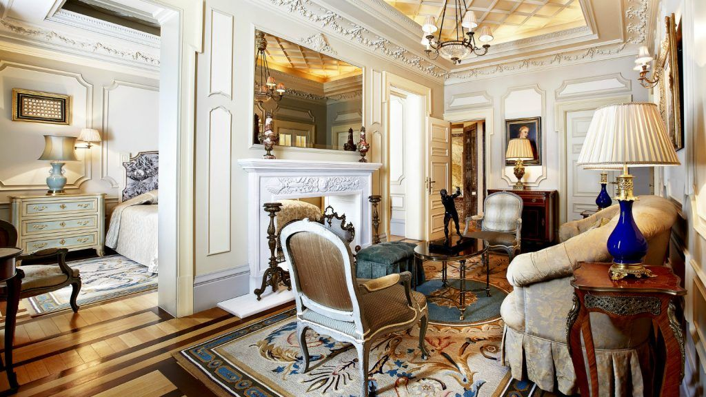 presidential-suite-living-room-at-hotel-grande-bretagne-athens-2