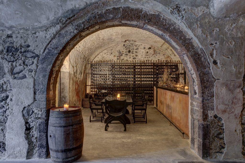 vedema-santorini-wine-experience