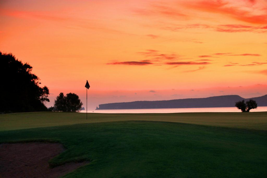 the-bay-course-costa-navarino-journey-greece-golf-sunset