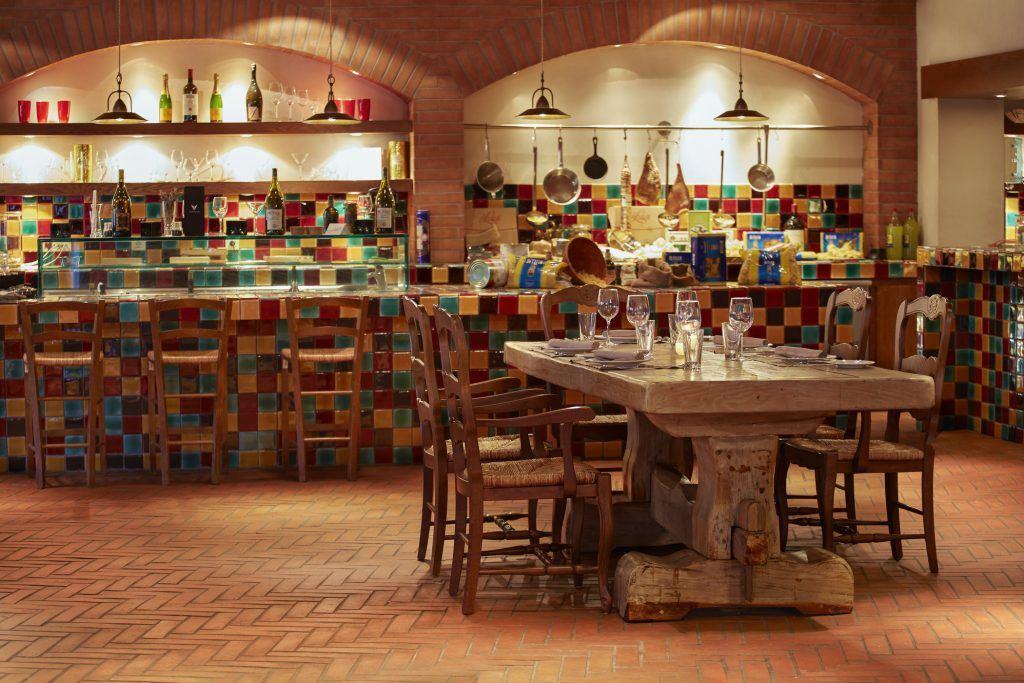 Da Luigi italian restaurant costa navarino